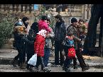 اليمن اليوم- بالفيديو القوات الحكومية تحتجز الأهالي على طريق حلب