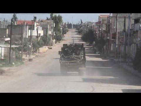 اليمن اليوم- شاهد فصائل مقاتلة تواصل تقدمها في حماة وسط سورية