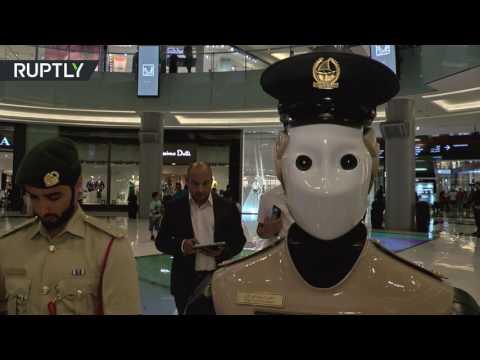 اليمن اليوم- شاهد أول شرطي آلي في العالم يدخل الخدمة في دبي