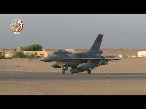 اليمن اليوم- شاهد اللقطات الأولى للغارات الجوية المصرية على درنة