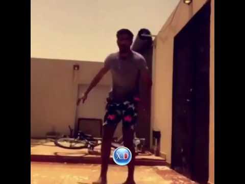 اليمن اليوم- سقوط مروع لشاب حاول التزلج على المياه