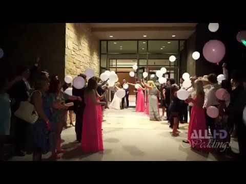 اليمن اليوم- شاهد لحظة سقوط عروسين من سيارة الزفاف بطريقة مروعة