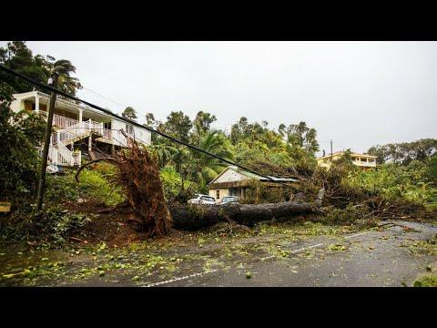 اليمن اليوم- شاهد الإعصار ماريا يقترب من سانتا كروز بعد إيقاع الدمار في غوادلوب
