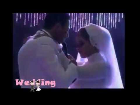 اليمن اليوم- شاهد عريس يفاجئ عروسه بأداء رائع لأغنية من تأليفه