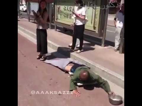 اليمن اليوم- شاهد فتاة تكشف خدعة متسول بـالصدفة