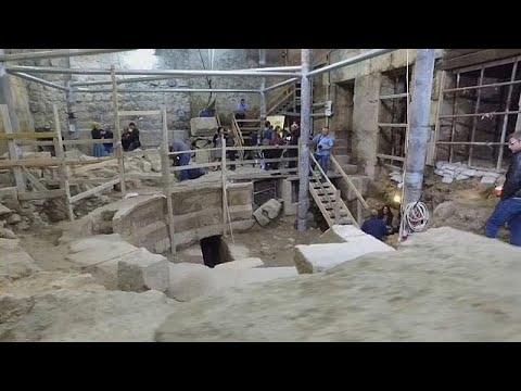 اليمن اليوم- شاهد اكتشاف مسرح روماني تحت الأرض بالقرب من الأقصى