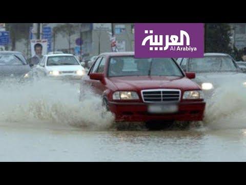 كيف تقود بأمان في المطر والسيول