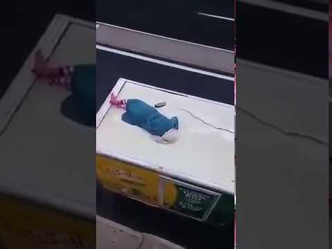 شاهد امرأة مغربية تحاول الانتحار برمي نفسها داخل نفق