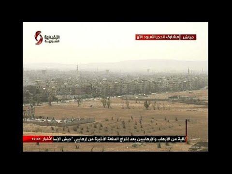 الطيران السوري يقصف مواقع مسلحين في اليرموك والحجر الأسود