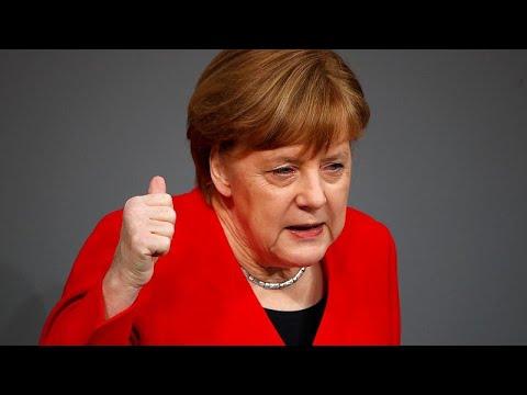 شاهد ألمانيا تقترح عقد قمة أوروبية استثنائية لحسم موقف بريطانيا من البريكست