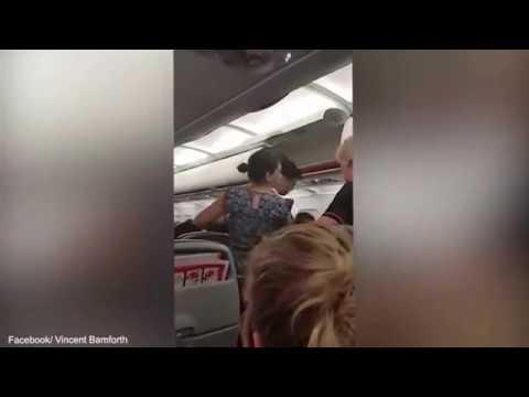 اليمن اليوم- بالفيديو طرد عائلتين من طائرة أسترالية بسبب حبّهم الشديد