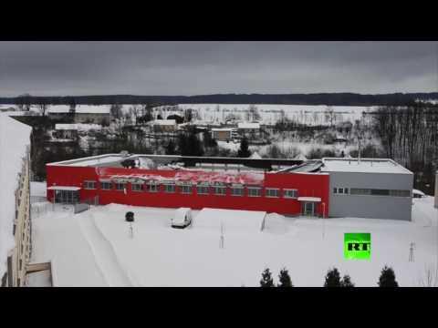 اليمن اليوم- بالفيديو لحظة انهيار سقف قاعة رياضية في التشيك