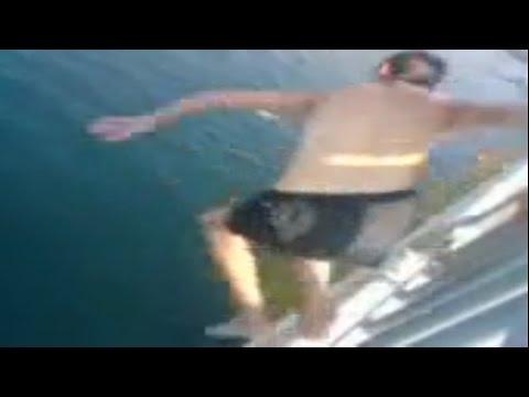 اليمن اليوم- بالفيديو لحظة مقتل مواطنين روسيين بعد قفزهما من ارتفاع 25 مترًا