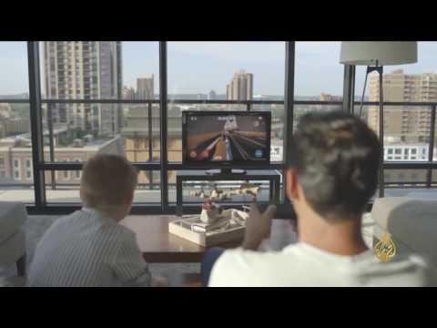 اليمن اليوم- بالفيديو  بيغ آي روبوت ذكي لتلبية حاجات أفراد المنزل