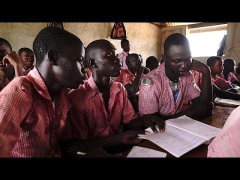اليمن اليوم- شاهد مخيم كاكوما يعني بالتعليم لمساعدة اللاجئين
