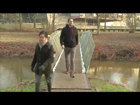 اليمن اليوم- شاهد  انشاء جسر هولندي من ألياف الكتان