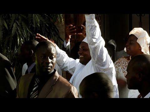 اليمن اليوم- الرئيس الغامبي المنتخب يؤدي اليمين الدستورية في السنغال