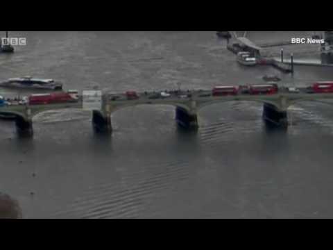 اليمن اليوم- سيدة تلقي بنفسها من فوق جسر