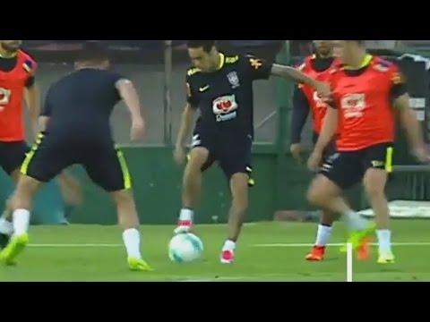 اليمن اليوم- شاهد نيمار يخطف الأضواء في تدريبات البرازيل بمهاراته