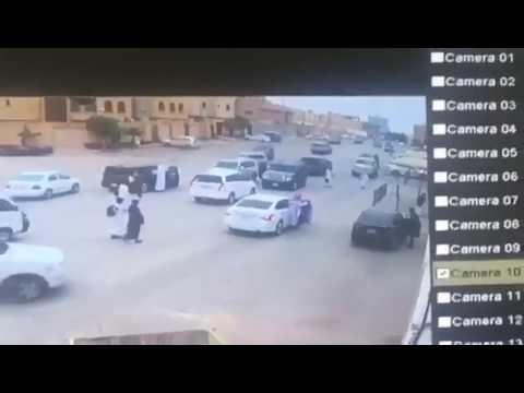 اليمن اليوم- شاهد لحظة دهس طالب أثناء خروجه من المدرسة
