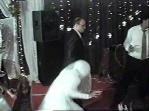 اليمن اليوم- موقف محرج لعروس في حفلة زفافها