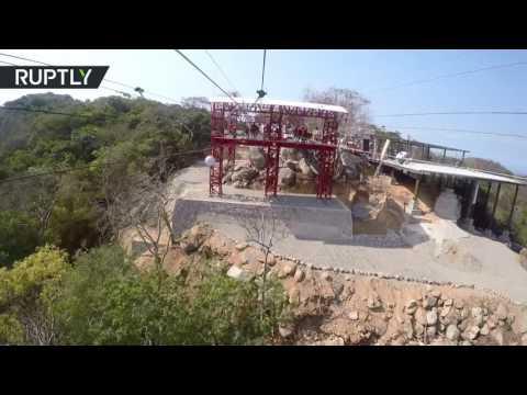 اليمن اليوم- بالفيديو سباق السرعة على تلفريك من 4 خطوط معلقة فوق سطح البحر