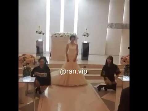 اليمن اليوم- بالفيديو عروس مميّزة تشارك صديقتيها في رقصة مذهلة في زفافها