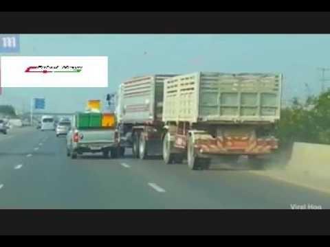 اليمن اليوم- بالفيديو تخبط شاحنة على الطريق يتسبّب في حادث مروري مروّع