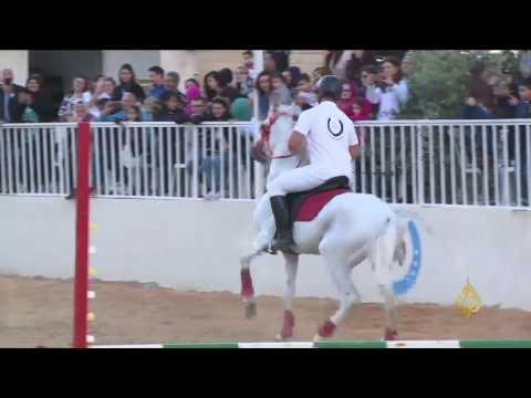 اليمن اليوم- شاهد بعقلين جنوب لبنان تستضيف عروضًا للخيول العربية