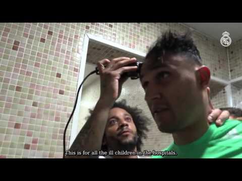 اليمن اليوم- شاهد مارسيلو يحلق شعر نافاس