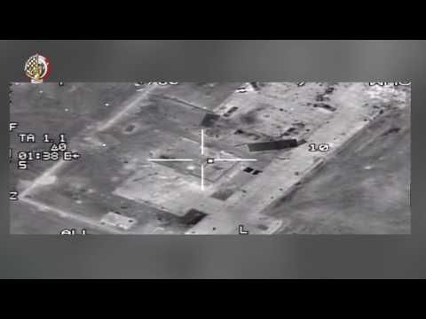 اليمن اليوم- شاهد  القوات الجوية المصرية تقصف عددًا من مواقع المتطرفين في ليبيا