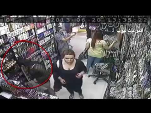 اليمن اليوم- شاهد  أغرب طريقة سرقة من ثلاثة نساء