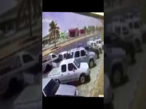 اليمن اليوم- شاهد لحظة سرقة سيارة تركها صاحبها في وضع التشغيل
