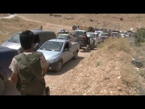 اليمن اليوم- شاهد توقيف شبان اعتدوا بالضرب على لاجئ سوري في لبنان