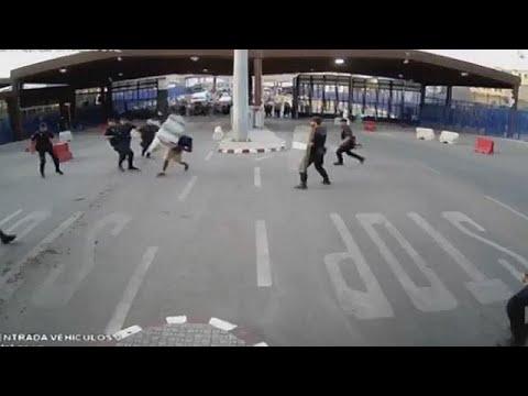 اليمن اليوم- شاهد كيف هاجم شاب الشرطة الإسبانية في مليلة