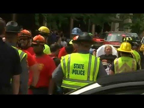 اليمن اليوم- شاهد مقتل شخص وإصابة 19 آخرين في دهس لمتظاهرين في فرجينيا