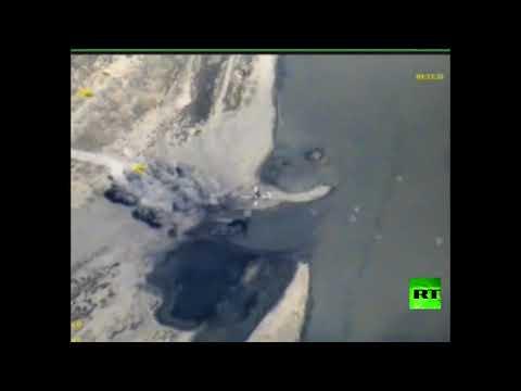 اليمن اليوم- شاهد الطيران الروسي يقصف زوارق داعش في الفرات