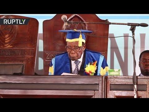 شاهد  موغابي يظهر إلى العلن للمرة الأولى منذ سيطرة الجيش على الحكم