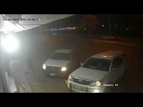 شاهد لص يستغل إهمال رجل ويستولي على سيارته في السعودية