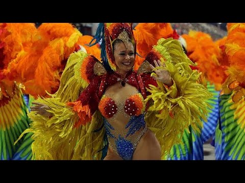 شاهد منافسات كرنفال مدارس السامبا تنطلق في ريو دي جانيرو
