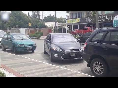 شاهد السيارة الذكية تثير الجدل بالخروج الآمن
