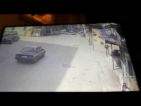 بالفيديو سائق يفقد السيطرة ويتعرض لحادث تصادم