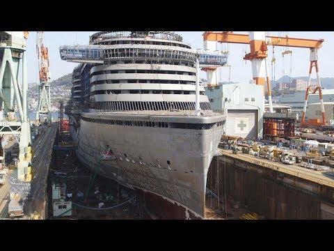 عملية بناء سفينة عملاقة من الصفر إلى إطلاقها في البحار