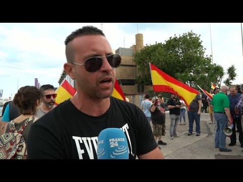 شاهدماقاله الإسبان عن وصول سفينة المهاجرين إلى بلادهم