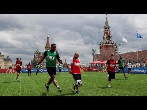 مهاجرون من افريقيا وآسيا يطلقون نسختهم الخاصة من كأس العالم