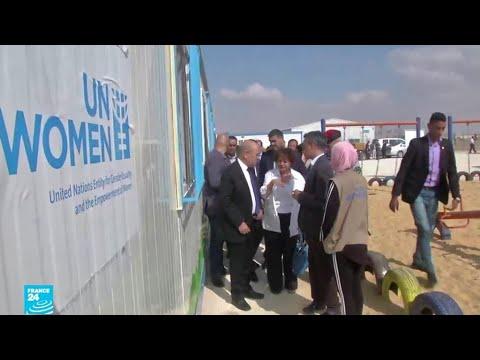 وزير الخارجية الفرنسي يتفقد مشروع الواحة الداعم للاجئات السوريات في الأردن
