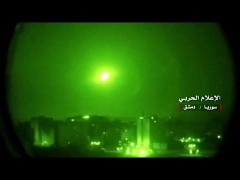 شاهد الدفاعات الجوية السورية تصدَّت لصواريخ إسرائيلية في محيط مطار دمشق