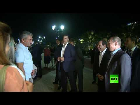 شاهد بوتين يسأل مواطنين روس عن مصر أمام الرئيس السيسي