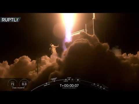 شاهد إطلاق صاروخ سبيس إكس يحمل مركبة دراغون