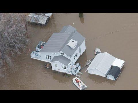 شاهد شوارع أوتاوا تتحوَّل إلى أنهار بسبب الفيضانات
